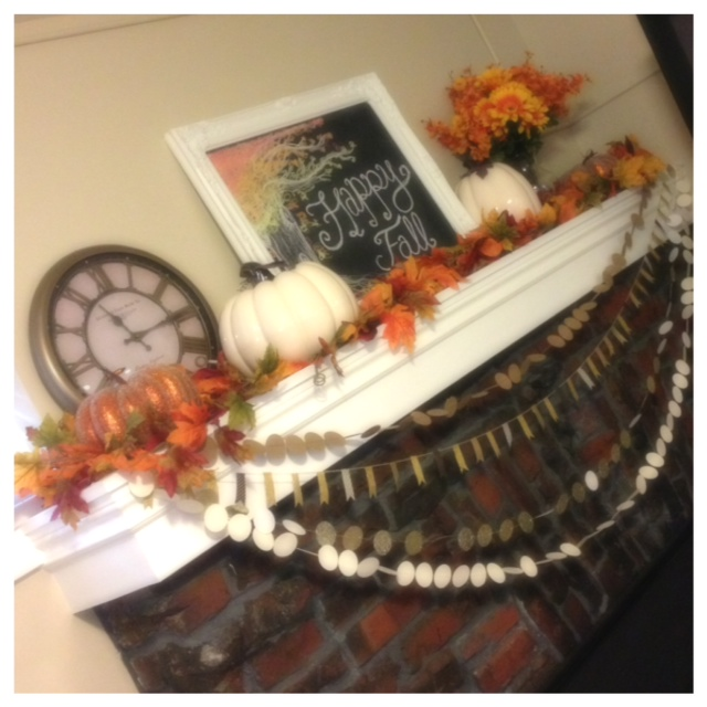 Fall Downstairs Mantel 1